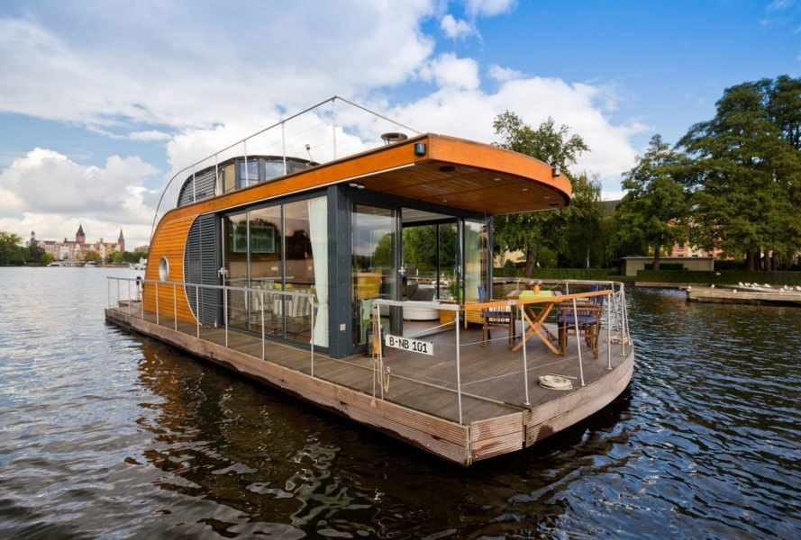 Marvelous Sail Away From It All In The Gorgeous Nautlius Houseboat Download Free Architecture Designs Scobabritishbridgeorg