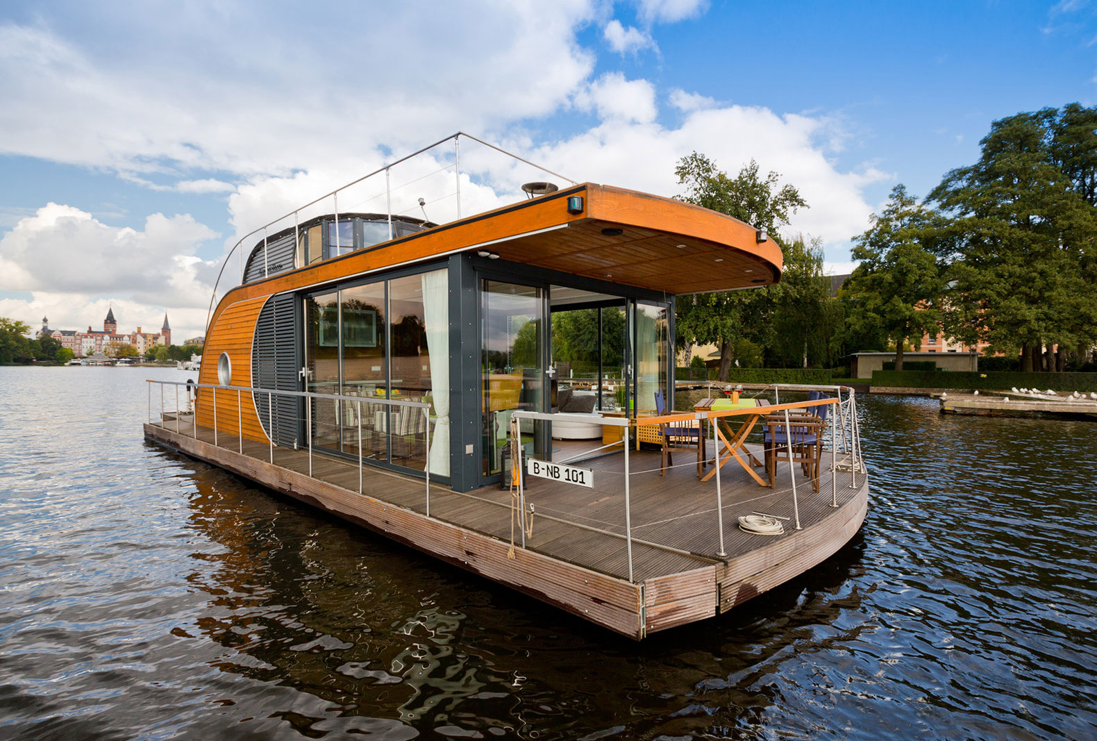 Sail Away From It All In This Gorgeous Floating Tiny Home
