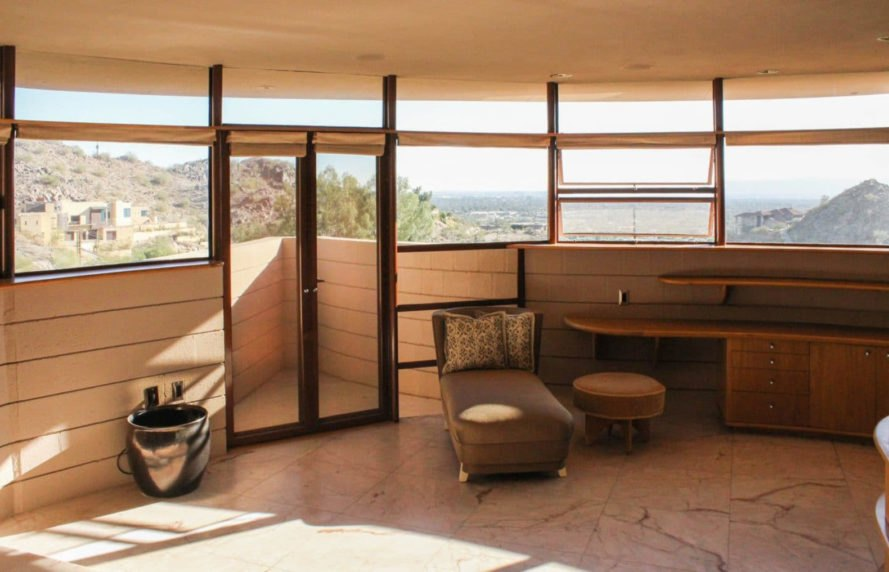 Frank Lloyd Wright, Norman Lykes House, Phoenix, John Rattenbury, Frank Lloyd Wright Foundation, Talien West, panoramic views, green architecture, modernist architecture, wood interior