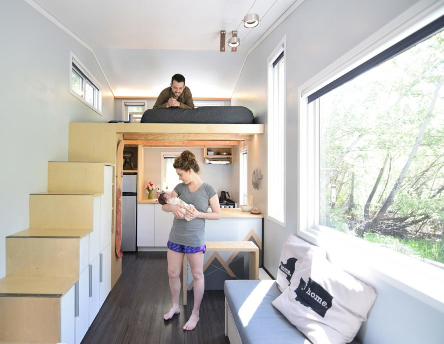 How one couple adapted a 204 square foot tiny house for for Large family living in small house