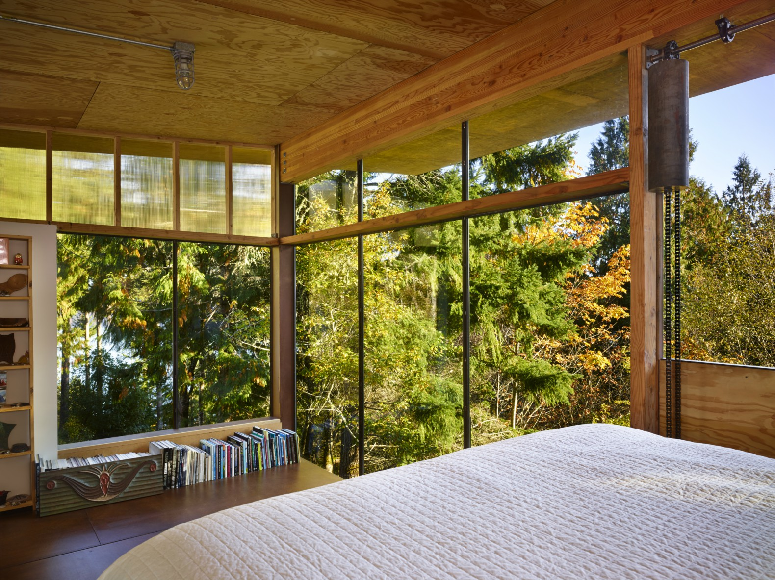 This Puget Sound eco cabin is made almost entirely from reclaimed materials