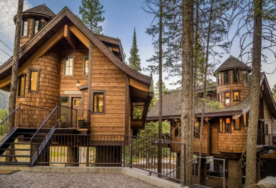 Snow Bear Chalets, whitefish, montana, ski chalets, Glacier National Park, ski treehouses, treehouse design, Homeaway chalets, ski slopes, montana skiing, ski resorts, in out ski resorts, ski cabins, cabin design, montana cabins, treehouse montana, cold weather treehouses, ski-thru treehouse