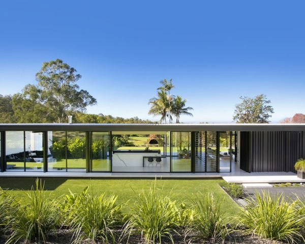 Glasshouse by Sarah Waller Architecture, Glasshouse in Noosa, Glasshouse architecture, Glasshouse Australia, minimalist architecture in Noosa, Sarah Waller Architecture Noosa, minimalist glasshouse architecture,