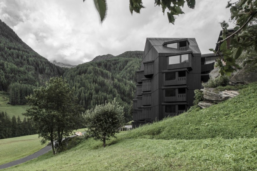 Hotel Bühelwirt, Pedevilla Architects, hiking, green hotel, South Tyrol, wood cladding, Italy, green architecture, bay windows, locally sourced materials, saddle roof