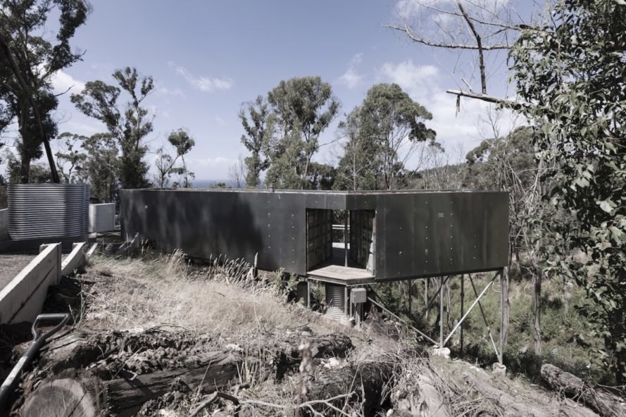 House 28 by Studio Edwards, cargotecture by Studio Edwards, House 28 shipping containers, shipping container architecture holiday home, cargotecture house, shipping container architecture in Australia, shipping container house in Surf Coast, rainwater collection in Surf Coast,