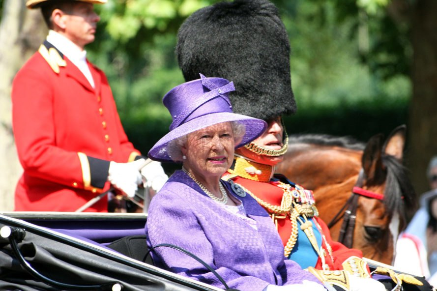 Less plastic in the palace: Queen Elizabeth II announces new reform