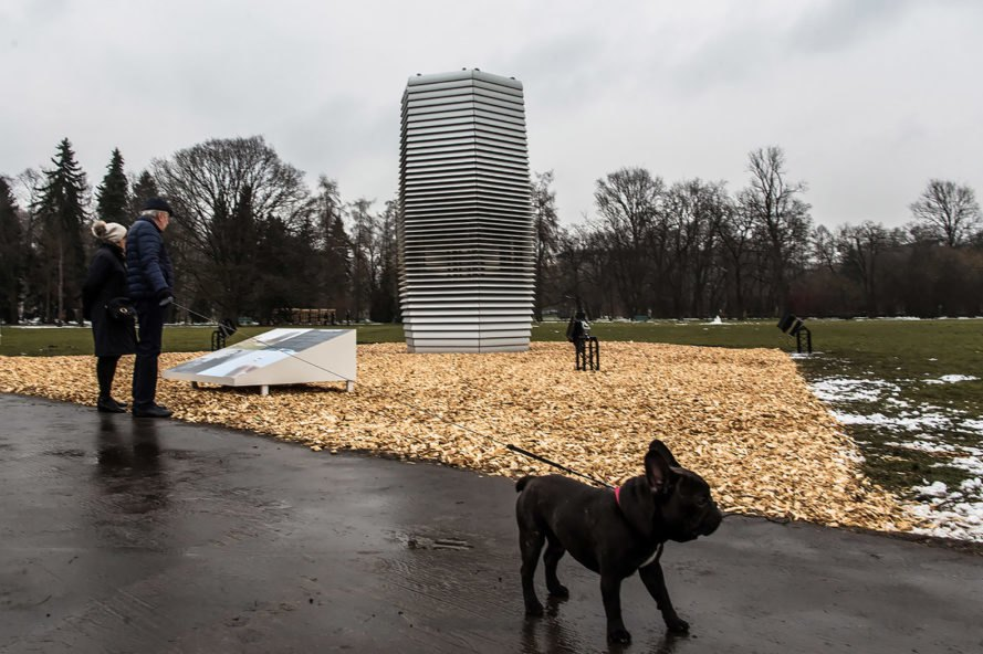 Smog Free Tower, Smog Free Project, Studio Roosegaarde, Poland, Krakow, Park Jordana, tower, dog