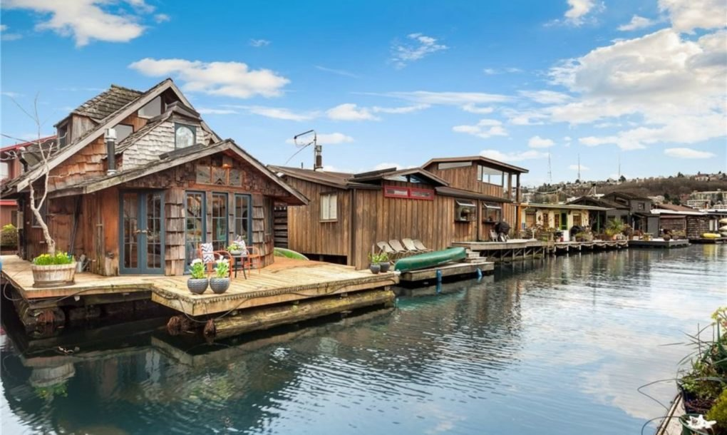 this whimsical houseboat in seattle is straight out of a fairy tale inhabitat green design. Black Bedroom Furniture Sets. Home Design Ideas
