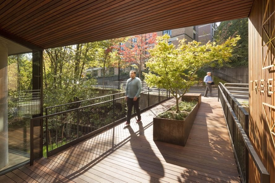 Oregon Health & Science University Treehouse, Treehouse by LEVER Architecture, Oregon Health & Science University project by LEVER Architecture, OSHU Treehouse, Portland no commute lifestyle, OSHU no commute residences, forest-inspired architecture,