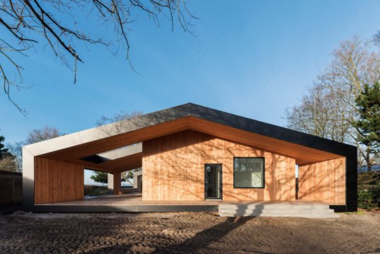 Minimalist summer retreat in denmark is like a house for Minimalist residential architecture
