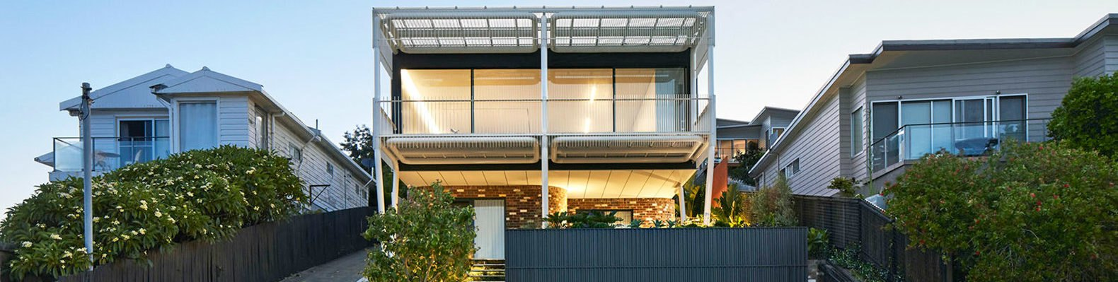 Greenacres, Austin Maynard Architects, house on stilts, Australia, passive cooling, energy-efficient home, cross ventilation, green architecture, panoramic views