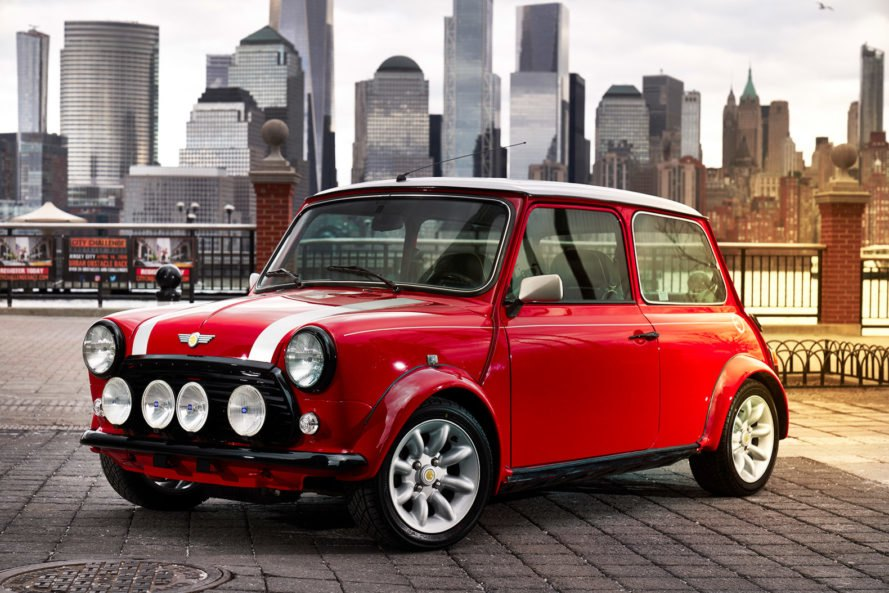 MINI presents all-electric version of classic Mini at NY show