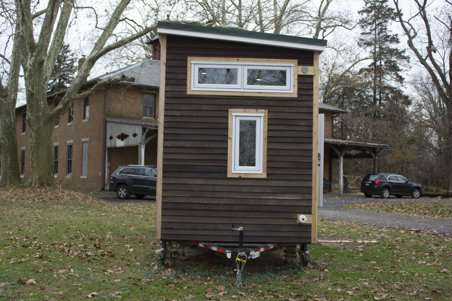 Free Small Cabin Plans Do It Yourself Cabin Plans Cabin: DIY Mobile Tiny Cabin Is Made Out Of Old Skateboards And A