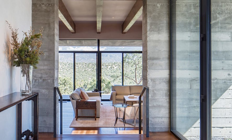 Sundial House by Specht Architects, Sundial House in Santa Fe, Specht Architects modernist residence, modernist architecture Santa Fe, board formed concrete homes