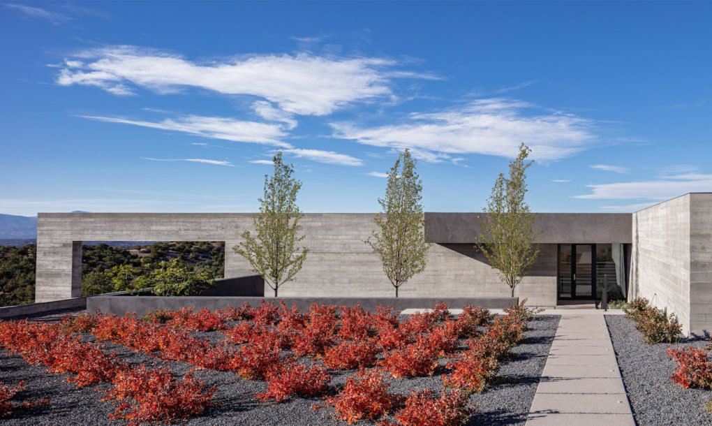 Specht architects 39 sundial house is a sculptural extension for Landscape design usa