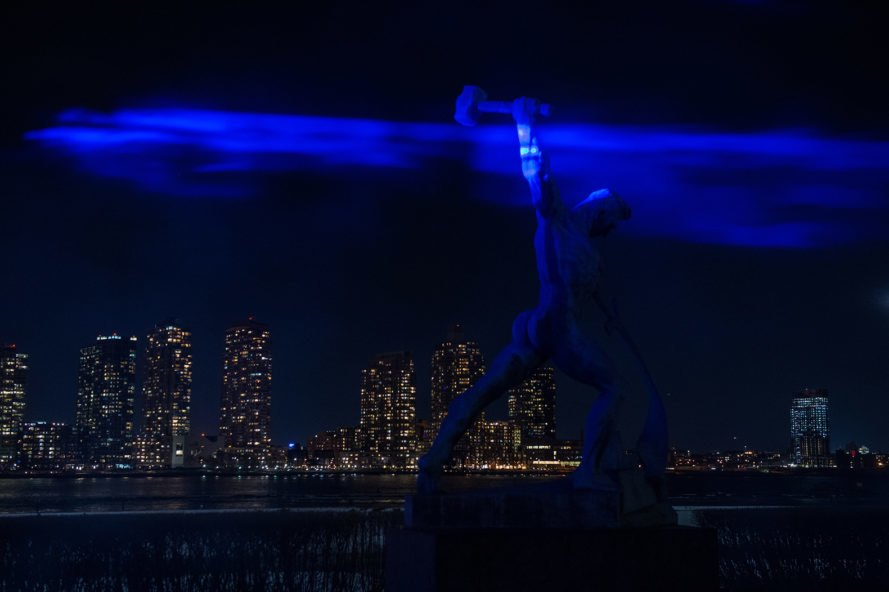 Waterlicht, Waterlicht New York, Studio Roosegaarde, United Nations Headquarters, United Nations, New York City, light, statue