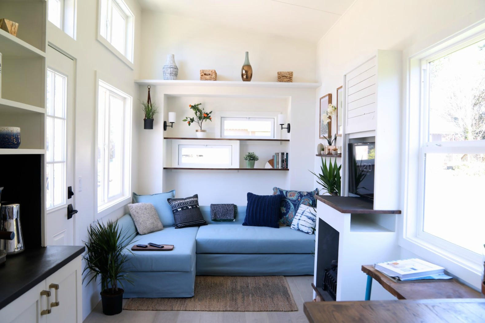 Handcrafted Movement\'s Coastal Craftsman tiny house is big on ...