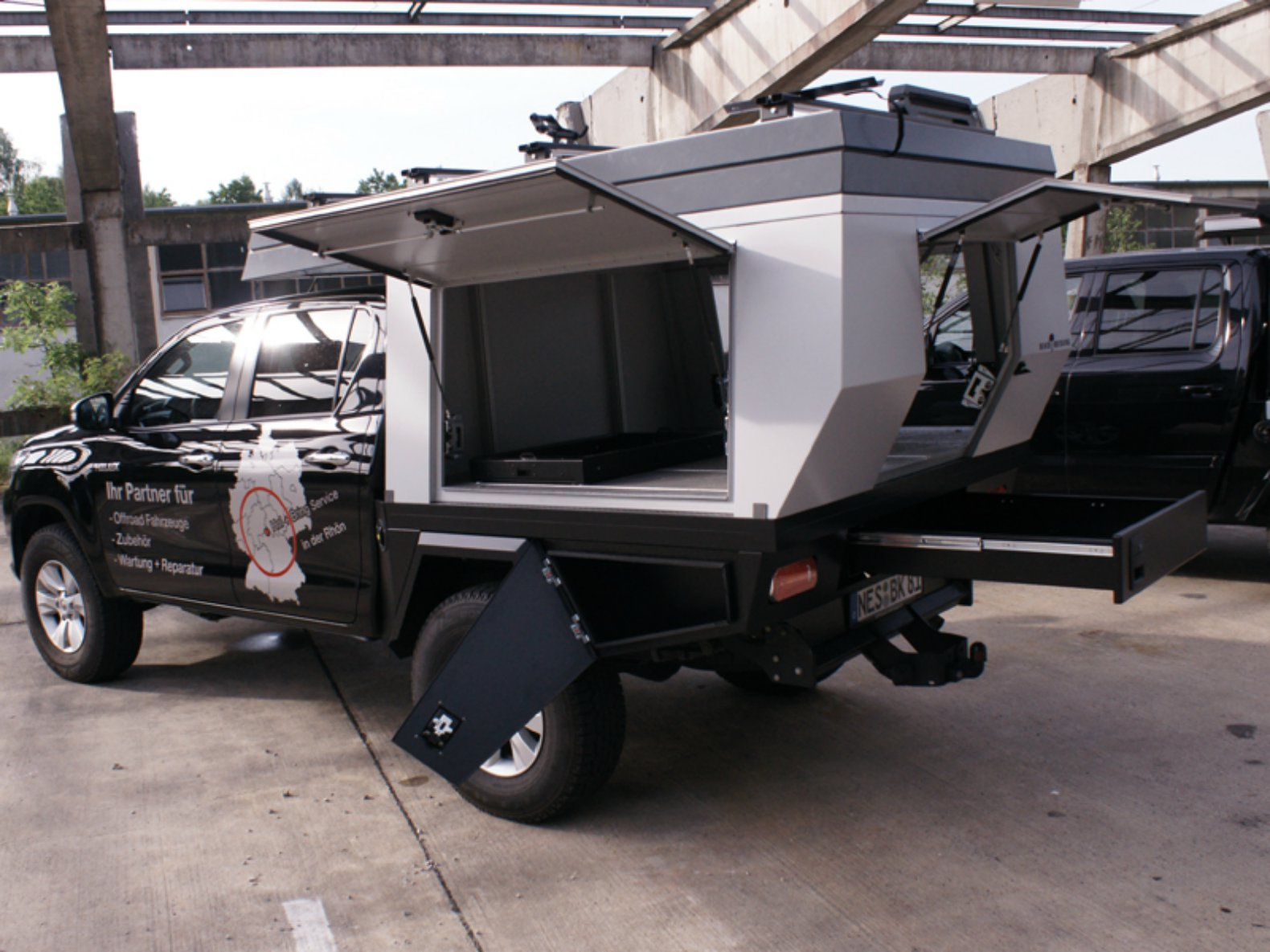 This Pop Up Camper Transforms Any Truck Into A Tiny Mobile Home In