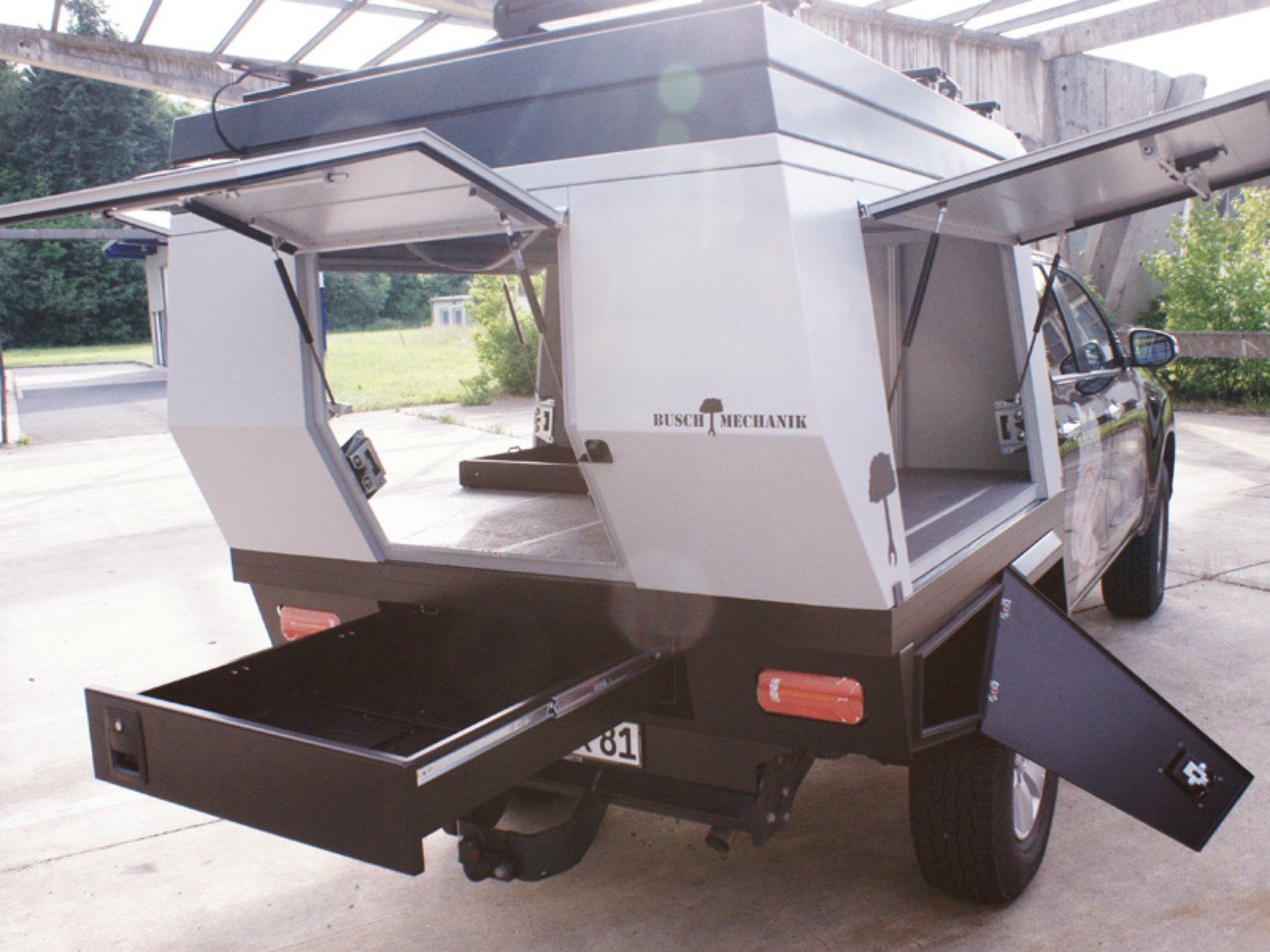 This Pop Up Camper Transforms Any Truck Into A Tiny Mobile