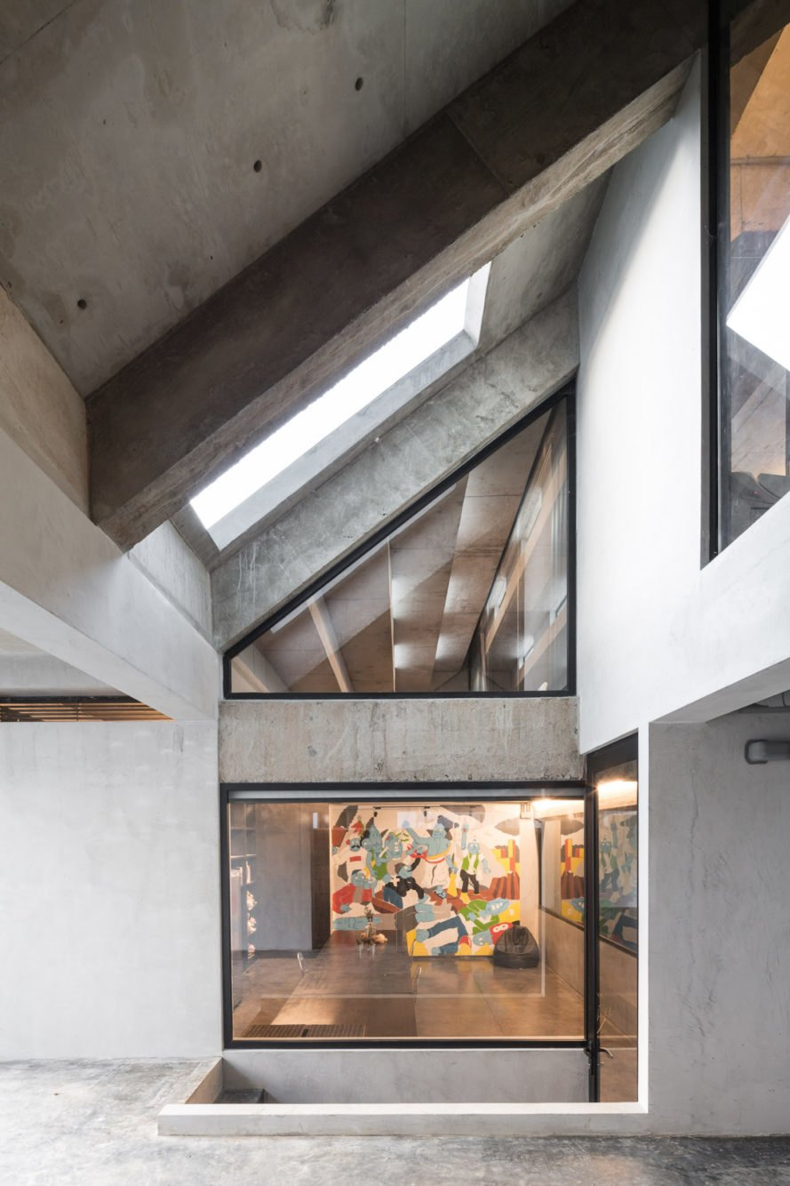 Skylights Fuzzy House by Situation-based Operation