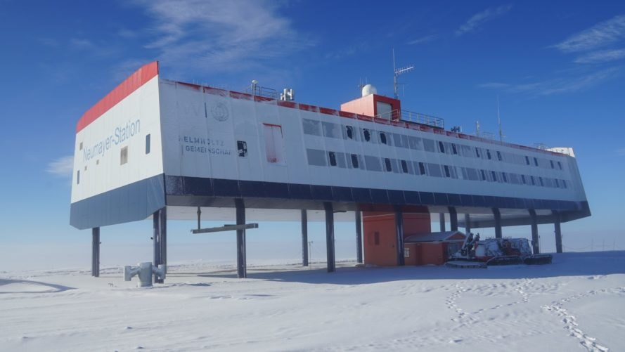 Neumayer-Station III, Alfred Wegener Institute, Antarctica, Antarctic, snow, station, research station