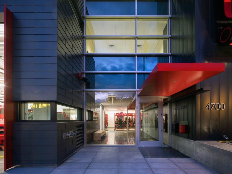 Entrance Seattle Fire Station 32 by Bohlin Cywinski Jackson