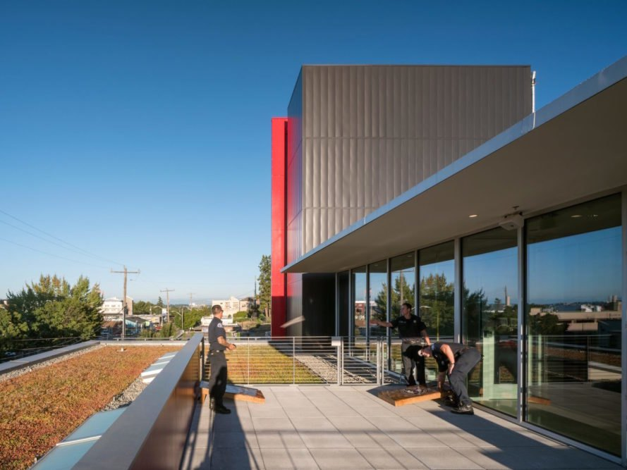 Outdoor terrace Seattle Fire Station 32 by Bohlin Cywinski Jackson