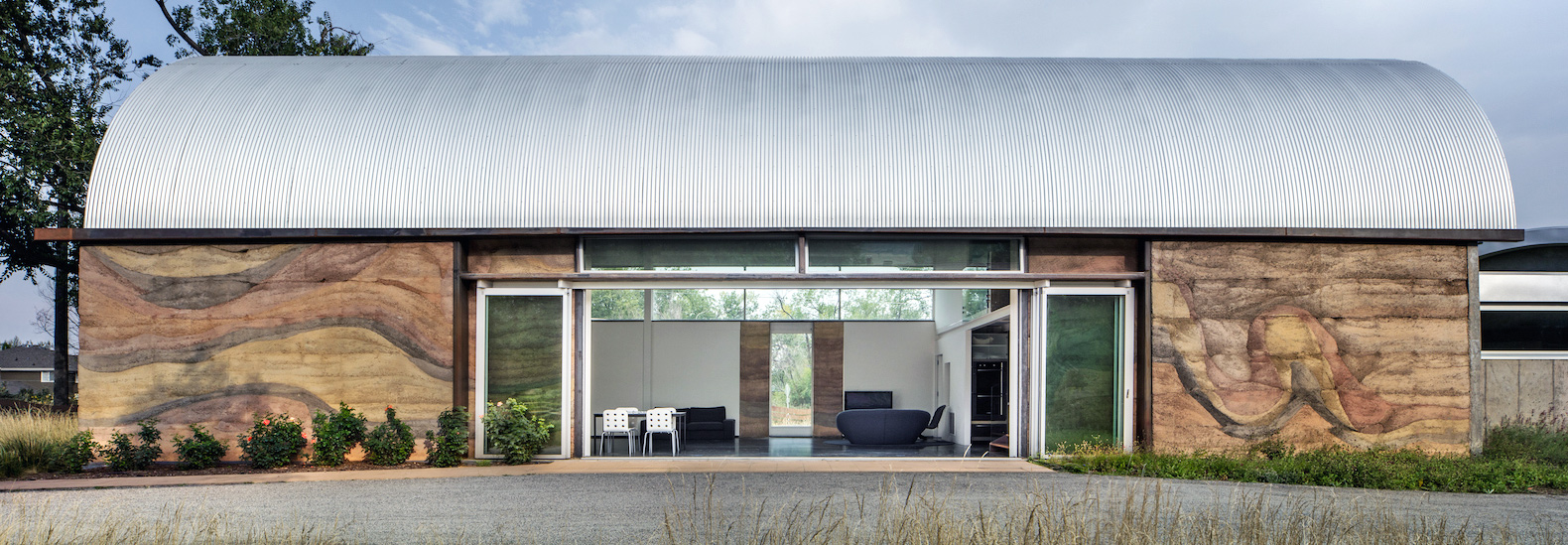 Exceptional Minimalist Artist Retreat With Rammed Earth Walls Draws Upon 100% Renewable  Resources