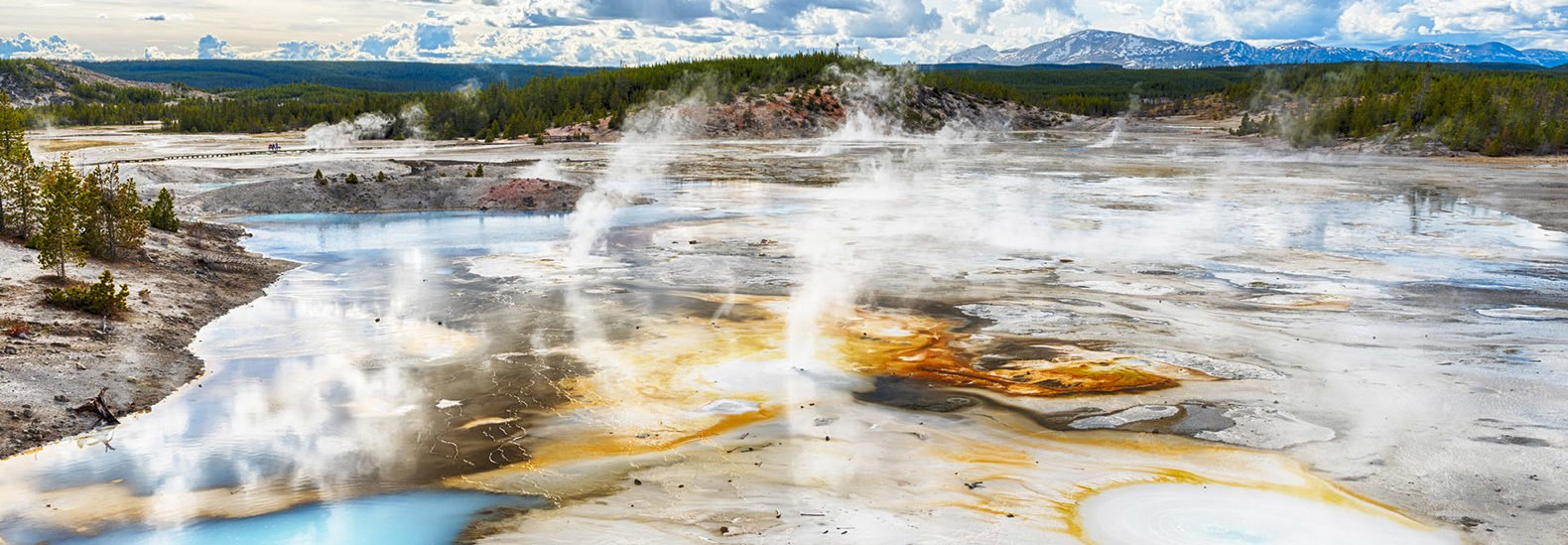 Scientists use new technology to figure out what makes yellowstones scientists just learned what makes yellowstones supervolcano tick sciox Gallery
