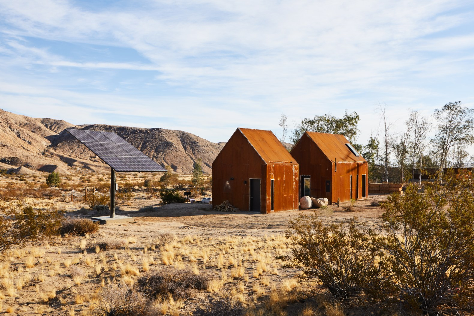 Tiny Home Designs: Tiny Steel Cabins In Joshua Tree Epitomize Off-grid Design