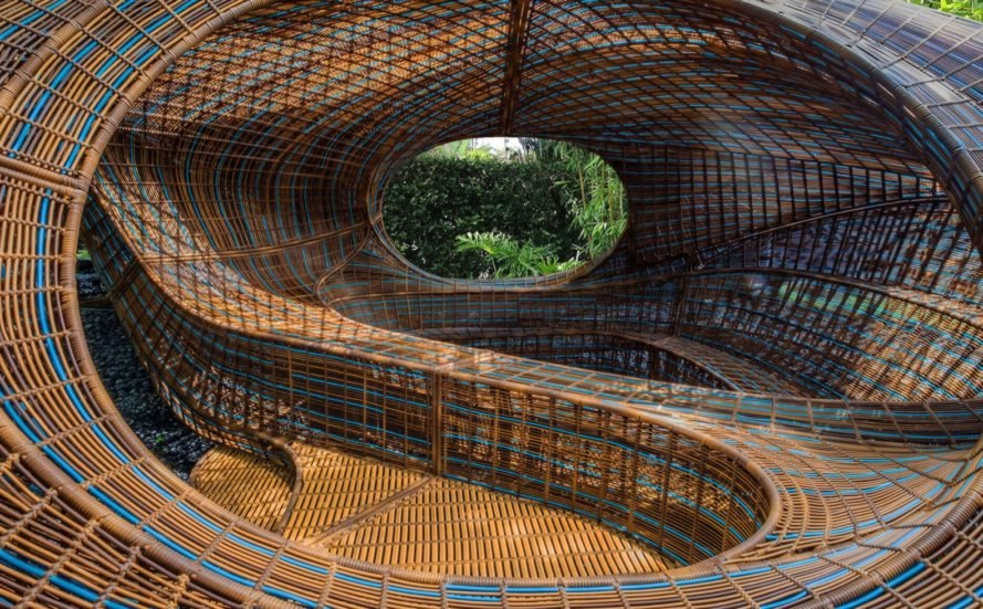 sunken seating area Ellipsicoon by Ben van Berkel