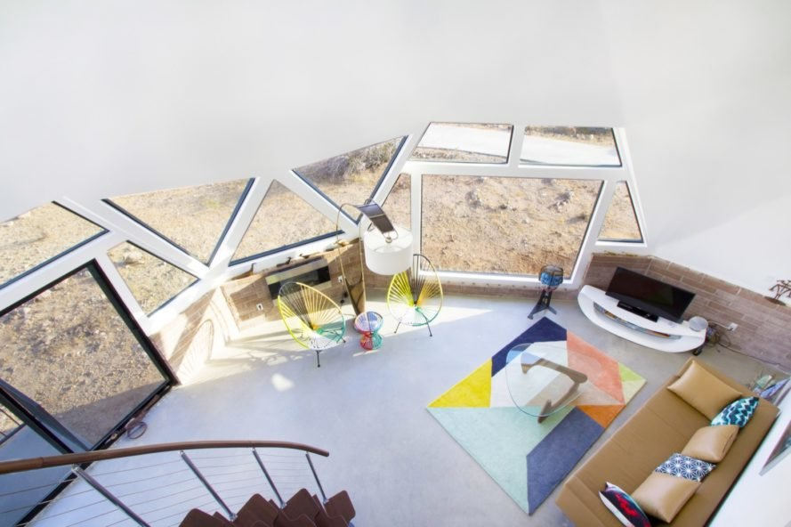 living room Geodesic Dome House by Pavlina Williams