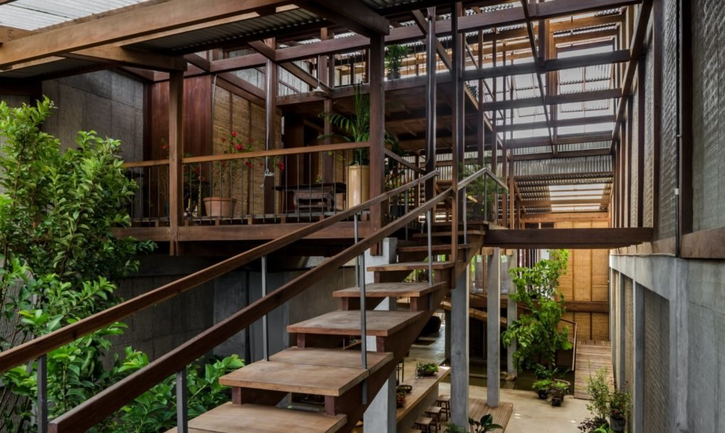 Rather than building traditional solid walls, the architects designed the home with movable metal walls   inhabitant.com