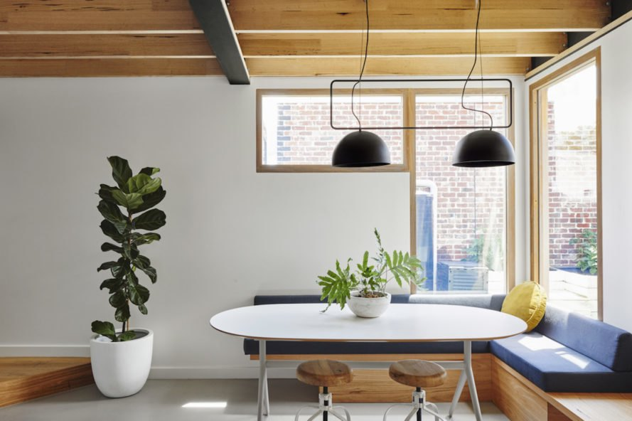 Dining area Melbourne Vernacular by Altereco Design