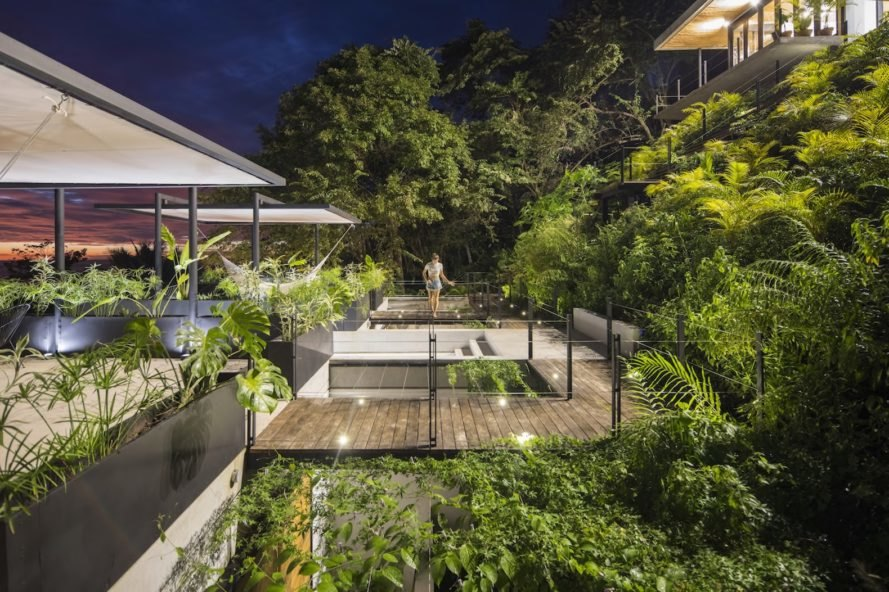 rear garden Mint Santa Teresa by Studio Saxe