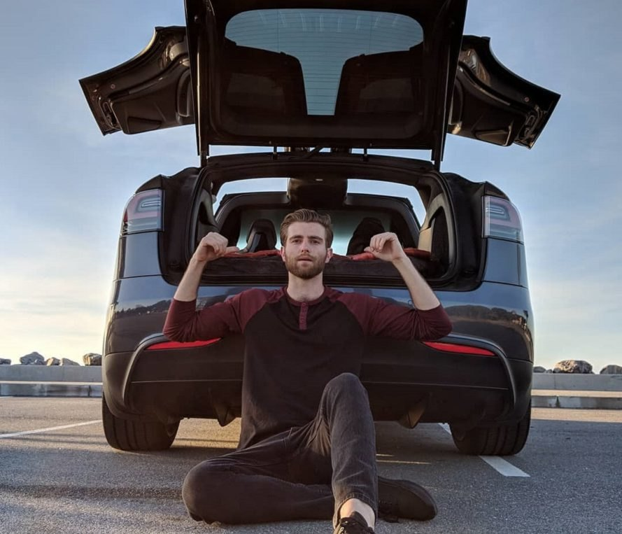 Former Tesla Employee Quits His Job To Live In His Model X