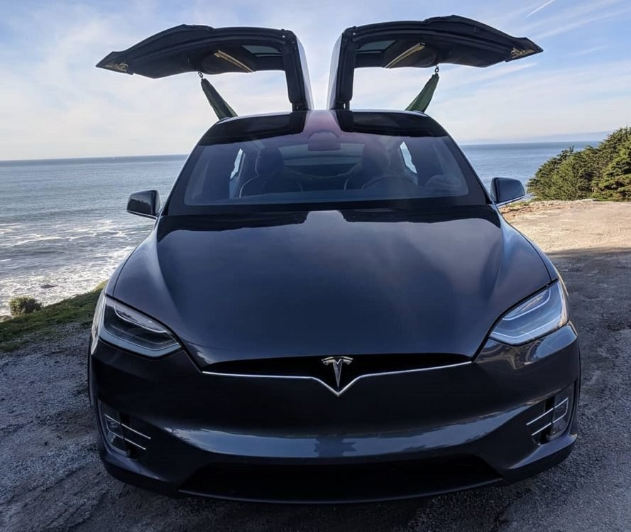 Tesla: Former Tesla Employee Quits His Job To Live In His Model X