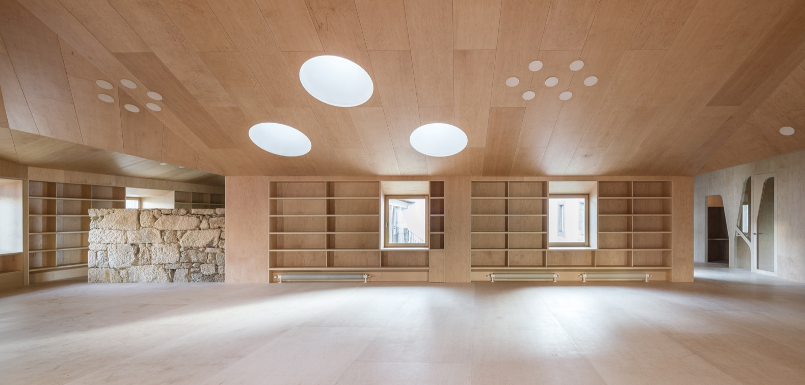 A 17th Century Spanish Hospital Gets Transformed Into Cozy Library
