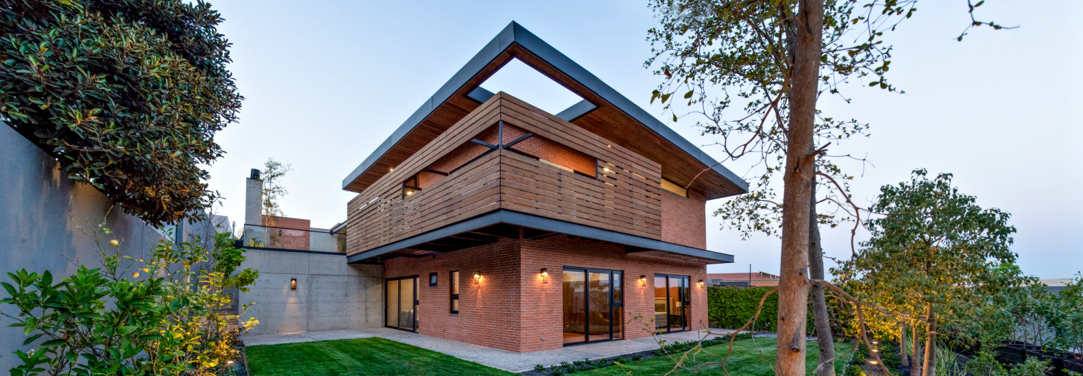 Attractive Architects Used Reclaimed Materials To Create This Stunning Home