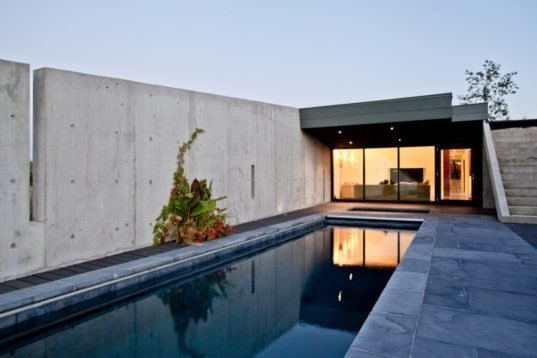 A Striking Concrete Home In Ontario Targets Minimal