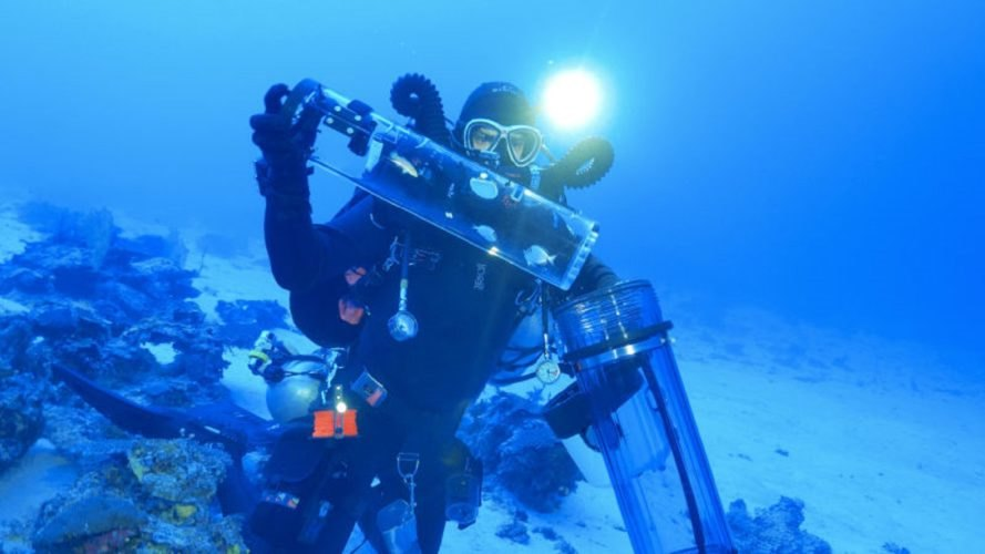 A diver models how the SubCAS system works