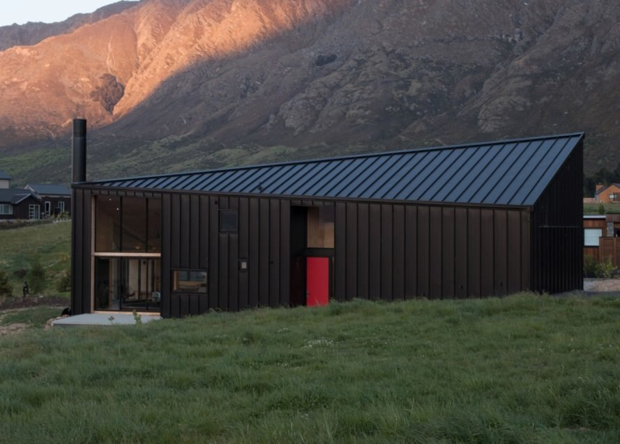 extended long black cabin