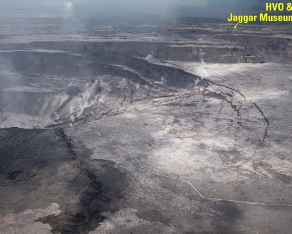 A USGS aerial photograph of the Kilauea summit crater after the eruption