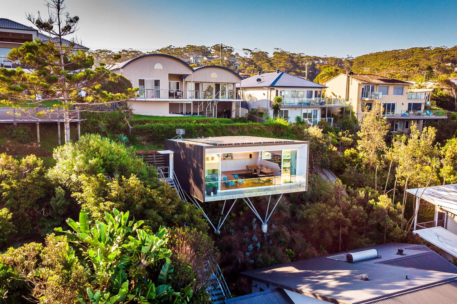 Solar-powered cube home in Australia hovers over the landscape