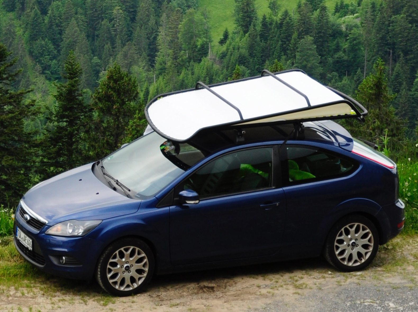 This Pop Up Rooftop Tent Converts Any Car Into A Camper