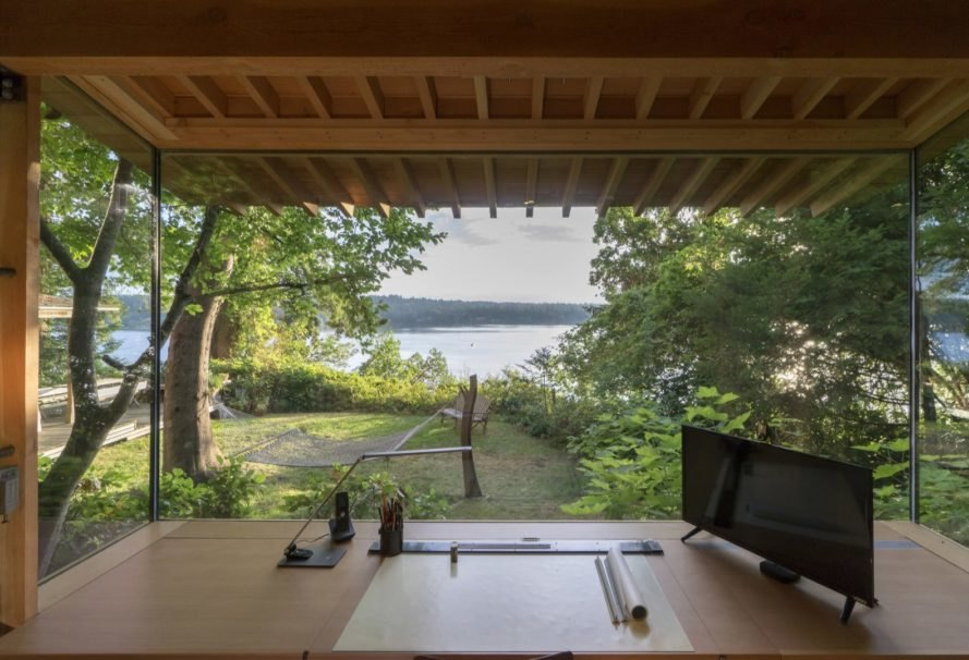 This cozy cabin in the woods was once just an old tool for Jim cutler architect