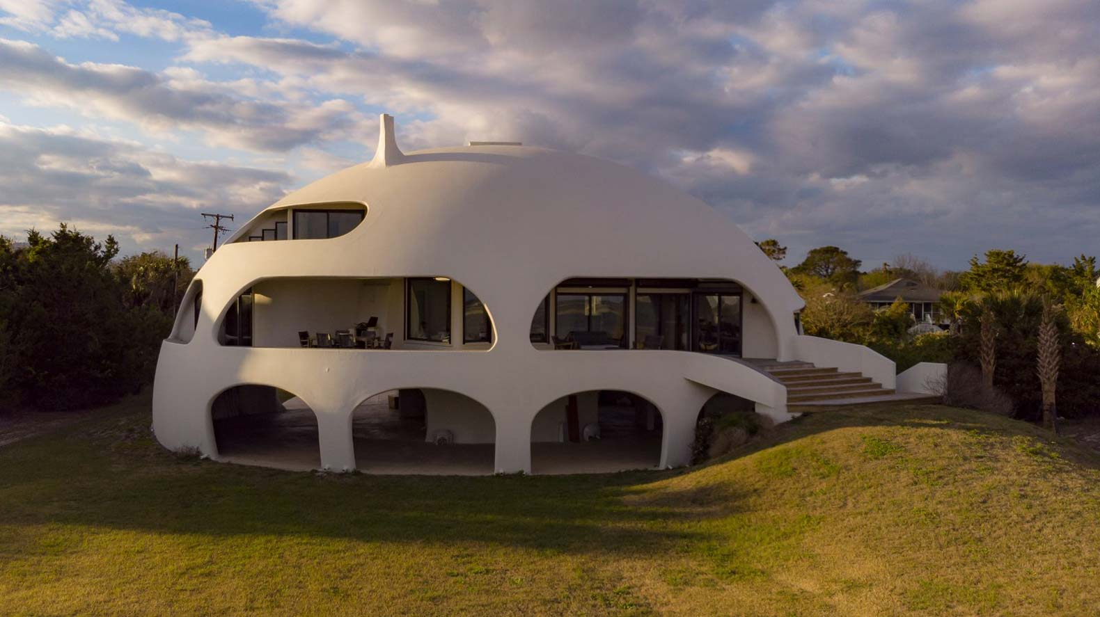 The Eye of the Storm dome home can withstand hurricanes — and it's officially on the market
