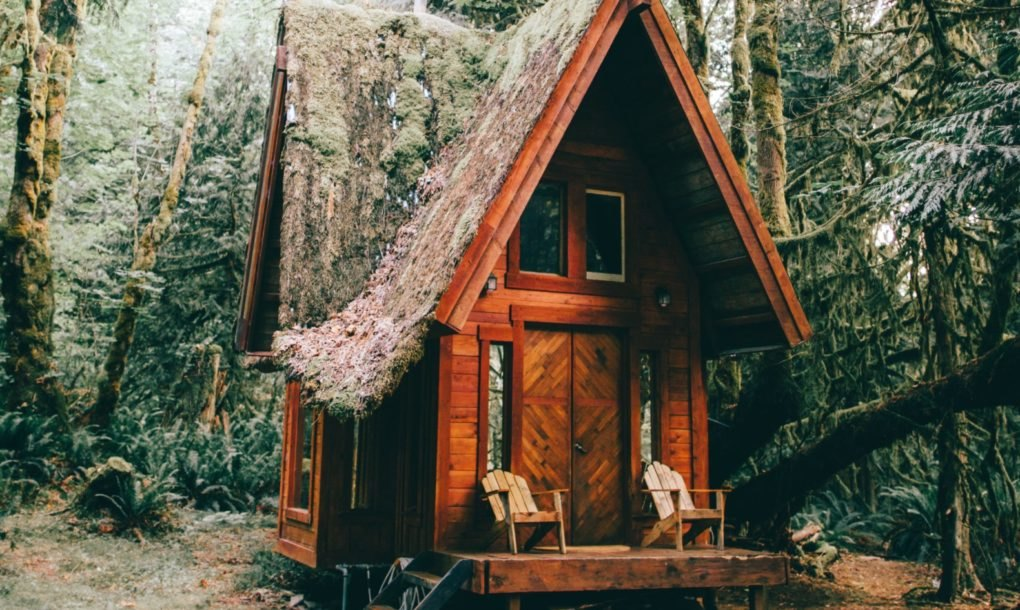 These enchanting, off-grid cabins are handcrafted from salvaged materials