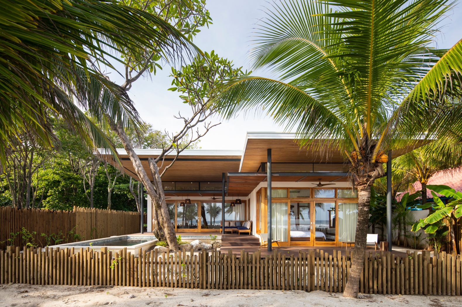 Stunning Costa Rican beach home uses passive features to stay cool