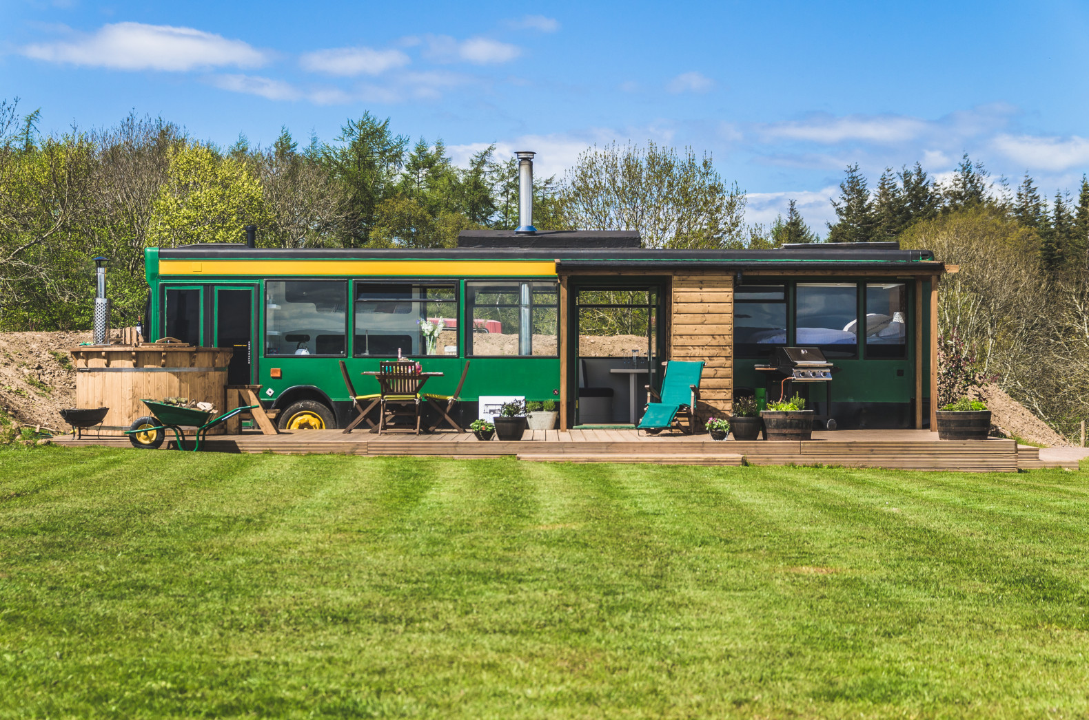This gorgeous converted bus hotel in Scotland pulls out all the stops